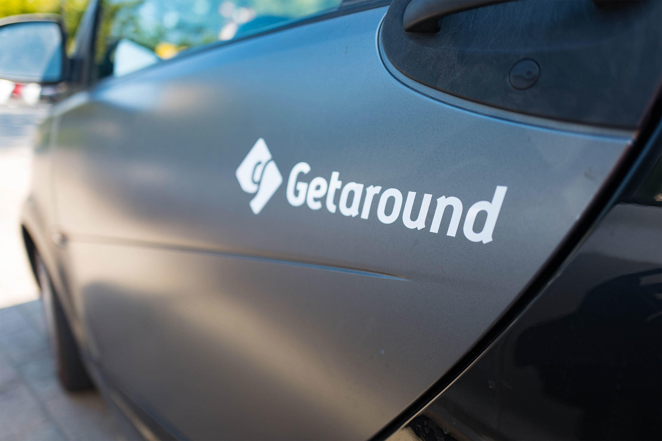 getaround vehicle with logo